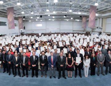 Se titulan 1,400 profesionistas de la UAA
