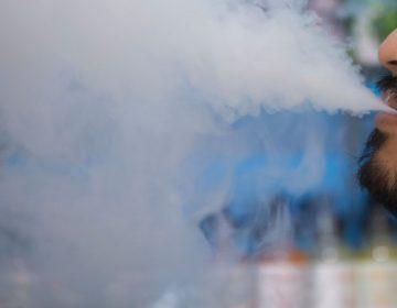 Trasplantan pulmones a hombre enfermo por vapeo