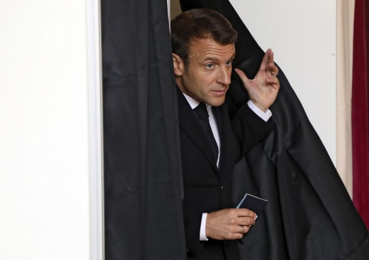 Espías rusos piratearon emails del equipo de campaña de Macron en las elecciones de 2017, asegura diario francés