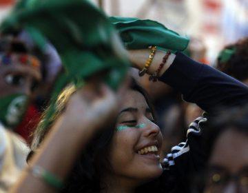 Argentina garantizará que causales por las que mujeres pueden abortar se respeten
