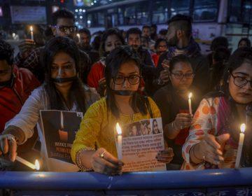 Violación grupal y asesinato de una mujer en India desata indignación y y fuertes protestas