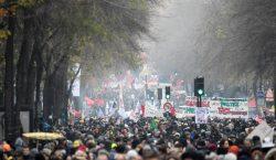 """Franceses dicen """"no"""" a la reforma de pensiones con movilizaciones…"""