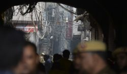 Incendio de una fábrica en Nueva Delhi deja al menos…