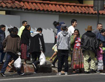 Mexicanos que pidan asilo en EU serían enviados a Guatemala: anuncia gobierno de Trump