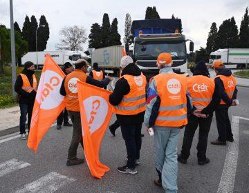 Huelga de transporte en Francia cumple 12 días; amenaza con paralizar al país en Navidad