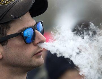 Los vaporizadores están ligados a las mismas enfermedades que causa el cigarro: estudio