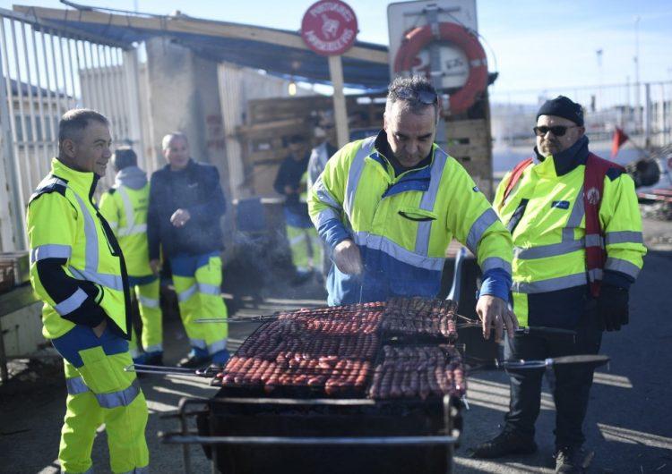 La huelga contra el nuevo sistema de pensiones en Francia alcanza a la Navidad