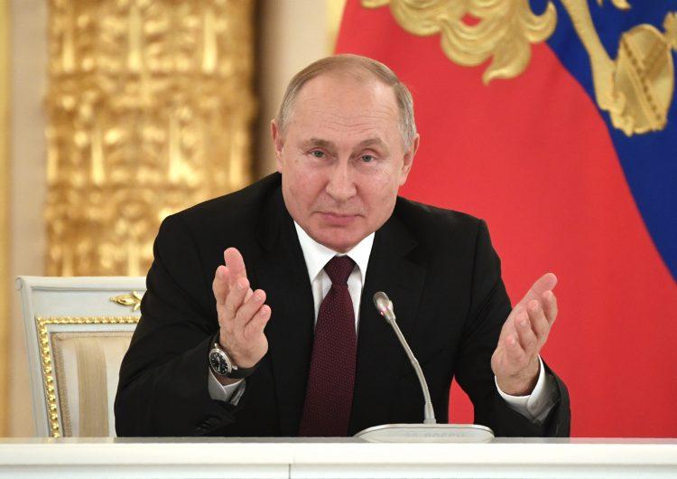 """Putin, en el poder desde hace 20 años, aboga por """"unidad"""" para el """"desarrollo"""" de Rusia"""