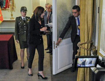 """Bolivia expresa a España """"protesta enérgica"""" por incidente en embajada mexicana"""