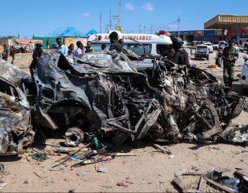 Al menos 94 muertos por la explosión de un camión bomba en Somalia
