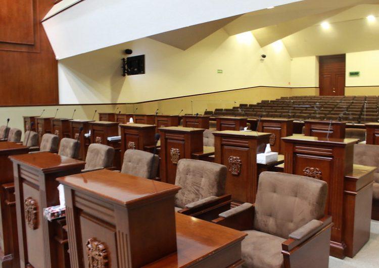 Rehúyen diputados a debate sobre el fuero; sólo acuden 11 de 27 a sesión