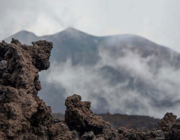 Gases de efecto invernadero liberados por rocas volcánicas contribuyen al calentamiento global