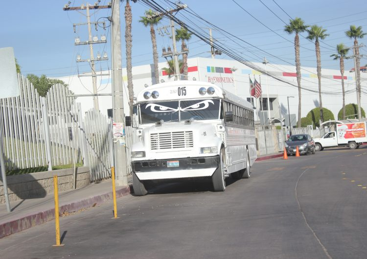 Estado se hará cargo del transporte de personal; González Cruz responde a reportaje de Newsweek BC
