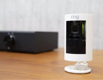 """Por qué las cámaras de seguridad de Amazon """"presentan una amenaza"""" para sus usuarios"""