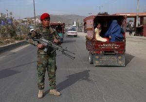 Lo que sabemos del avión que se estrelló en una zona de Afganistán controlada por talibanes