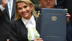 Jeanine Áñez anuncia su candidatura a las elecciones presidenciales de…