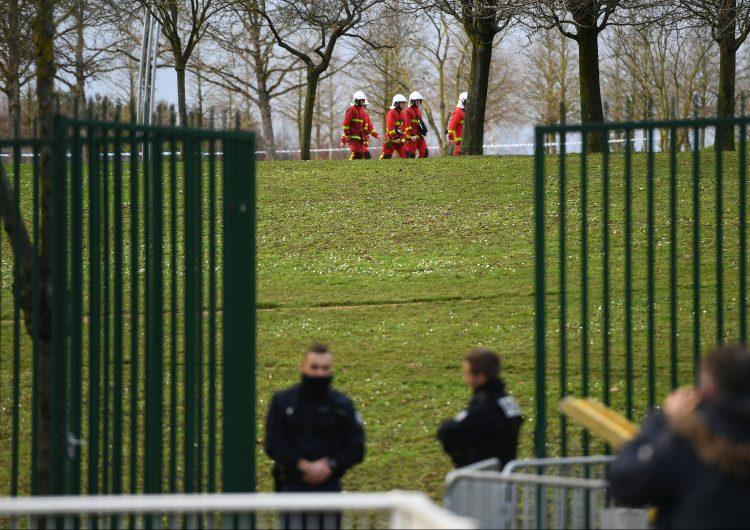 Al menos un muerto por un apuñalamiento múltiple a las afueras de París