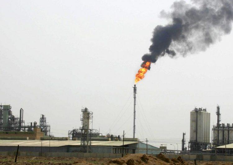 El precio del precio del petróleo sube 4 %, luego del ataque de Irán contra bases de EU