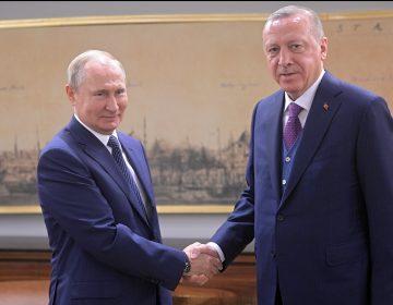 Putin y Erdogan llaman a un alto al fuego en Libia