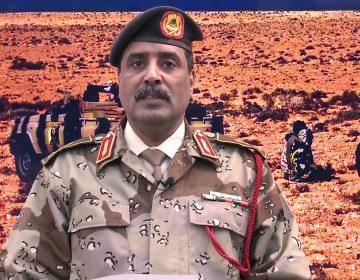 Mariscal rebelde rechaza el llamamiento a declarar un alto al fuego en Libia