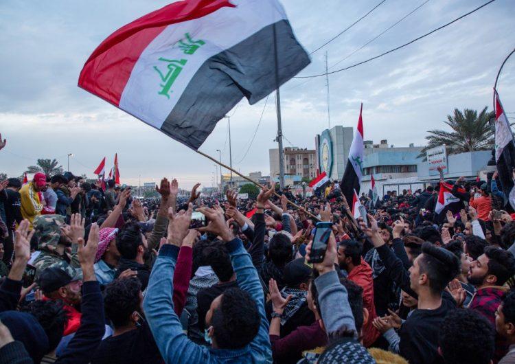 Manifestantes salen de nuevo a la calle en Irak para protestar contra EU e Irán
