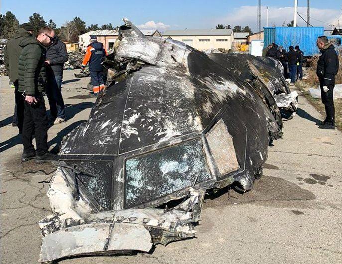 Irán admite que el avión ucraniano fue derribado por dos misiles y dice que las 'cajas negras' están muy dañadas