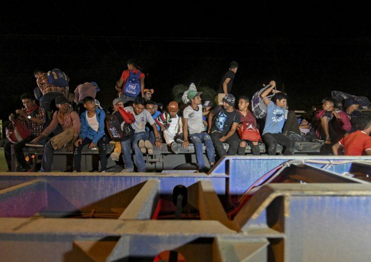 Una nueva caravana de migrantes sale de Honduras hacia EU