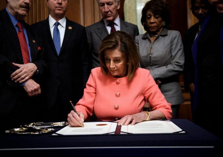 Cargos contra Trump son enviados al Senado; juicio político tiene fecha de arranque