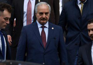 """Mariscal rebelde libio """"dispuesto"""" a ir a conferencia de paz en Berlín"""