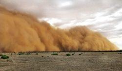 """Además de incendios, Australia enfrenta granizo y """"apocalípticas"""" tormentas de…"""
