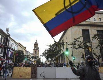 Colombianos toman las calles de Bogotá para protestar contra el gobierno de Iván Duque; hay 62 detenidos