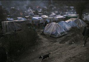 Grecia cerrará los campamentos de migrantes en el verano de 2020