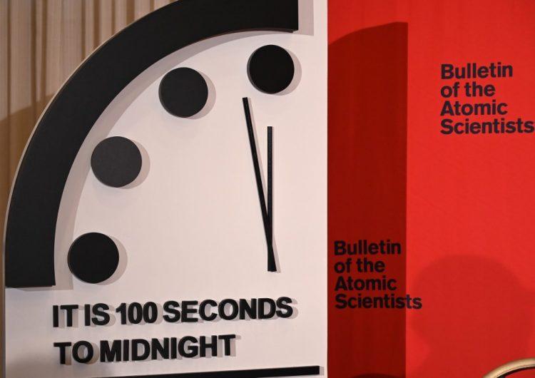 Por cambio climático y armas nucleares, científicos adelantan 20 segundos el reloj del apocalipsis