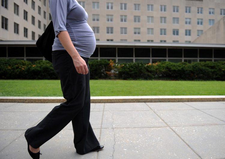EU limitará visas a mujeres embarazadas para que sus hijos no puedan obtener nacionalidad