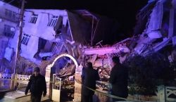 Galería | Sismo de magnitud 6,8 sacude Turquía; hay al…