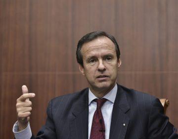 Jorge 'Tuto' Quiroga anuncia su candidatura presidencial para las próximas elecciones de Bolivia