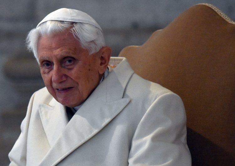 Por qué el expapa Benedicto XVI exhortó a Francisco a que mantenga el celibato para sacerdotes