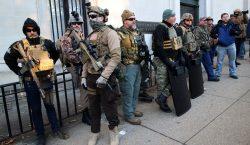 Con rifles, protestan por iniciativa de ley para el control…