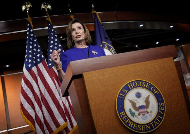 La Cámara de Representantes aprueba medida que limita los poderes de guerra de Trump