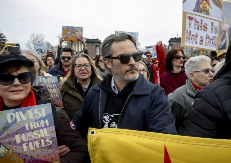 Joaquin Phoenix se une a las protestas contra el cambio climático de Jane Fonda y es arrestado