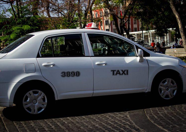 Pedirán taxis nuevo aumento de tarifa