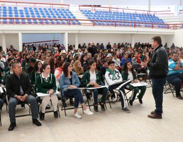 Entregan becas de transporte a más de mil estudiantes de Calvillo