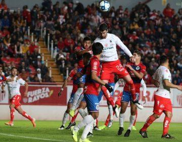 Necaxa pierde frente a Chivas en juego de pretemporada