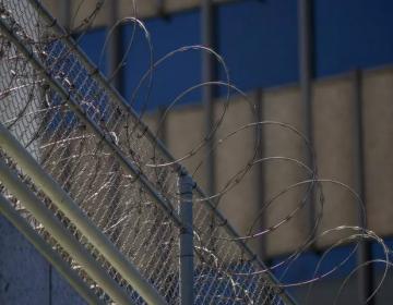 Muere ciudadano francés bajo custodia del Servicio de Inmigración ICE