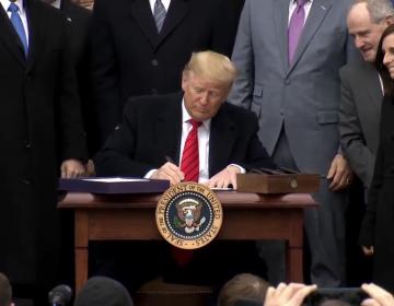 """""""Acabamos con la pesadilla del TLCAN"""", dice Trump en firma del T-MEC"""