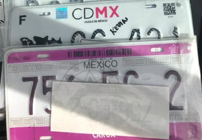 Detienen a sujeto con 4 mil permisos para transitar sin placas en Aguascalientes