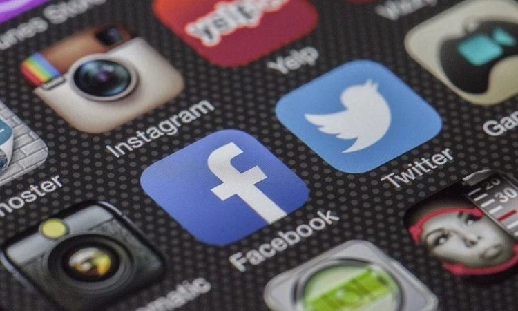 Detectan casos de adicción a redes sociales en Aguascalientes