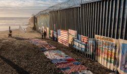Corte prohíbe al gobierno de Estados Unidos devolver a México…