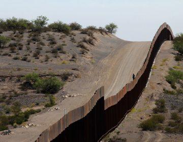 Pentágono suspende compra de aviones para destinar 3,800 mdd al muro fronterizo