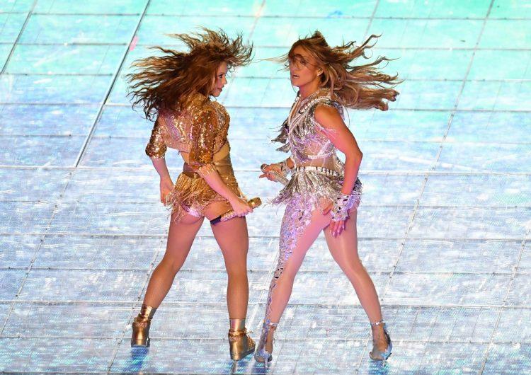 El mensaje político de Shakira y JLo pudo ser más poderoso, dicen defensores migrantes
